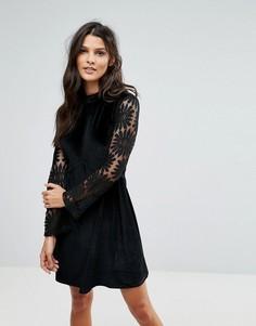Бархатное приталенное платье с кружевными вставками Rage - Черный