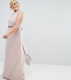 Сатиновое платье макси с бантом сзади TFNC Plus WEDDING - Розовый