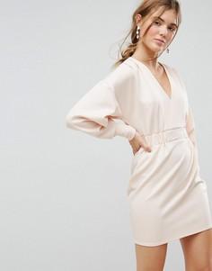 Платье мини с V-образным вырезом и эластичными манжетами и талией ASOS - Розовый