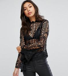 Кружевная блузка с высоким воротом и расклешенными рукавами Lipsy - Черный