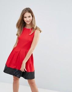 Приталенное платье с пайетками на подоле Closet - Красный