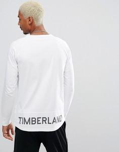 Белый оверсайз-лонгслив с логотипом по краю Timberland - Белый