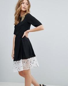 Платье миди с рукавами длиной 3/4 и кружевной отделкой Traffic People - Черный