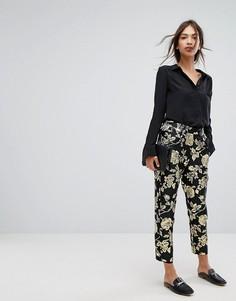 Укороченные жаккардовые брюки с эффектом металлик Vila - Черный