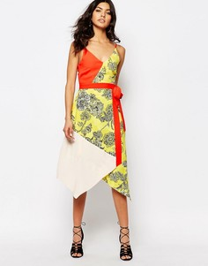 Платье-комбинация с разноцветным принтом River Island - Красный