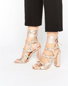 Сандалии на каблуке с ремешками металлик River Island Studio - Розовый