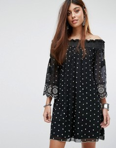 Свободное платье с открытыми плечами и кружевной вышивкой River Island - Черный