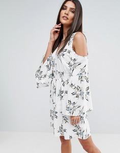Платье с открытыми плечами и цветочным принтом River Island - Мульти