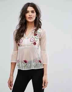 Блузка с цветочной вышивкой и баской River Island - Розовый