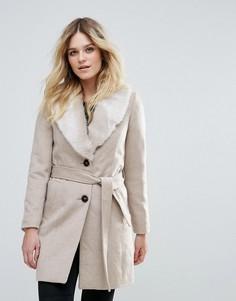 Куртка с поясом и отделкой из искусственного меха Vero Moda - Кремовый