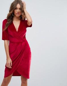 Бархатное платье с запахом Club L - Красный