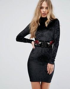 Облегающее платье из бархата с корсетной отделкой и вышивкой Club L - Черный
