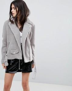 Серая байкерская куртка с искусственной овечьей шерстью Missguided - Серый