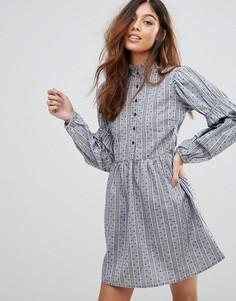 Платье с рюшами на воротнике QED London - Темно-синий
