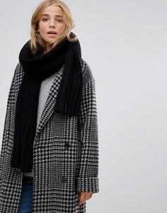 Черный фактурный шарф UGG - Черный