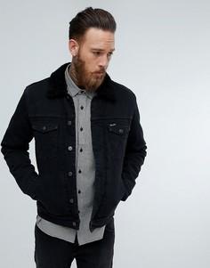 Черная куртка с искусственным мехом Wrangler - Черный