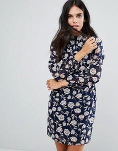 Платье с высоким воротом и принтом роз Yumi - Темно-синий