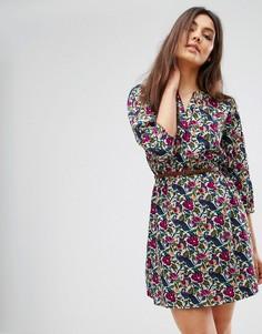 Платье с поясом, рукавами 3/4 и цветочным принтом Yumi - Мульти