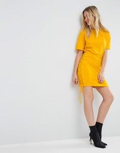 Платье-футболка мини со шнуровкой по бокам ASOS - Желтый