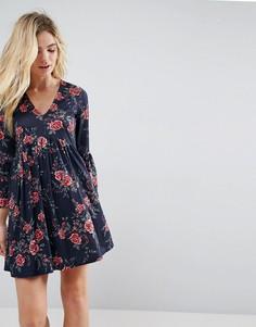 Свободное платье с V-образным вырезом и принтом ASOS - Мульти