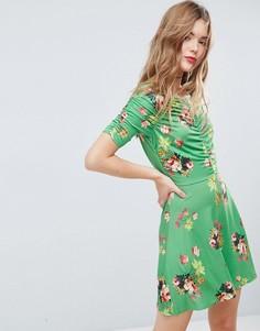 Зеленое чайное платье мини с цветочным принтом и сборками ASOS - Мульти