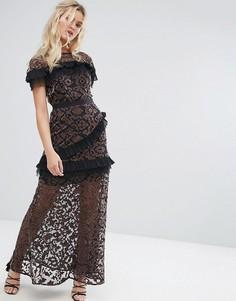 Сетчатое платье макси с аппликацией из бархата и контрастными плиссированными оборками Stevie May - Мульти