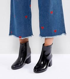 Лакированные ботильоны для широкой стопы на блочном каблуке New Look - Черный
