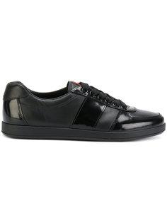 кроссовки с контрастной панелью Prada