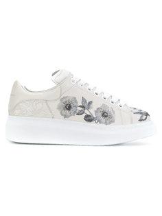 объемные кроссовки с цветочной отделкой Alexander McQueen