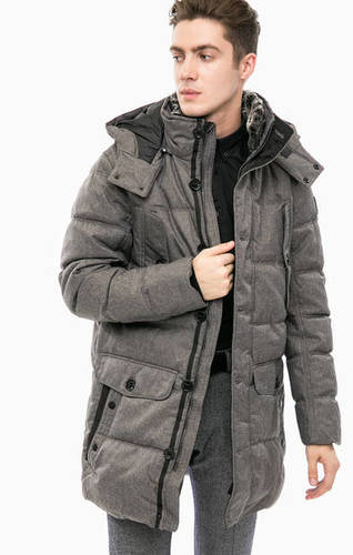 Серая зимняя куртка с капюшоном