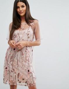 Сетчатое платье-футболка с вышивкой River Island - Розовый