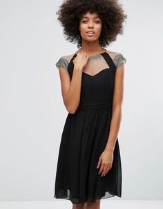 Приталенное платье со свободной юбкой, сетчатой вставкой и отделкой Little Mistress - Черный