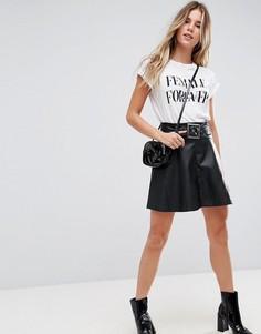 Короткая расклешенная юбка из искусственной кожи с ремнем ASOS - Черный