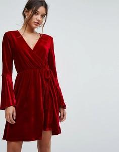 Бархатное платье с запахом и складками на рукавах Aeryne - Красный