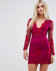Сетчатое платье мини с глубоким вырезом и вышивкой Love Triangle - Красный