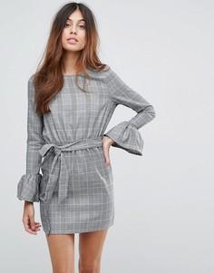 Платье в клетку с рукавами клеш и завязкой на талии Parisian - Серый