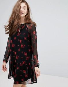 Платье с цветочным принтом и оборкой на подоле Pieces - Черный