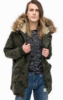 Куртка с камуфляжным принтом и капюшоном Superdry