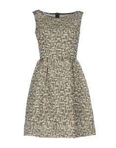 Короткое платье Biancoghiaccio