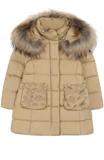 Пуховое пальто с аппликациями и меховой отделкой на капюшоне Il Gufo