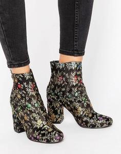 Атласные полусапожки с вышивкой ShoeLab - Черный