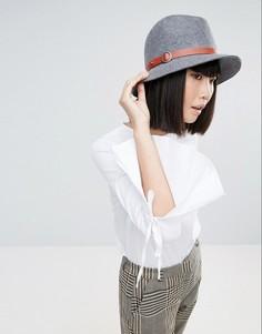 Серая фетровая шляпа с бежевой отделкой Genie by Eugenia Kim Jordan - Серый