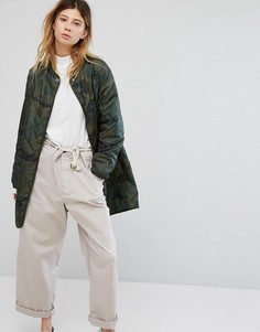 Стеганая куртка с камуфляжным принтом Carhartt WIP - Зеленый