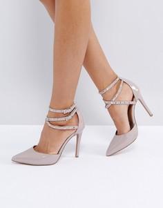 Остроносые туфли на каблуке с заклепками ASOS PORTMORE - Бежевый