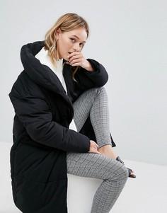 Свободное дутое пальто Monki - Черный