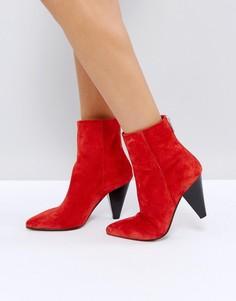 Замшевые ботинки с конусообразным каблуком ASOS ELODIE - Красный