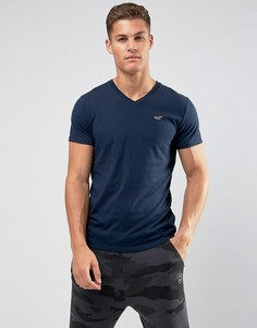 Темно-синяя футболка узкого кроя с V-образным вырезом и логотипом Hollister - Темно-синий
