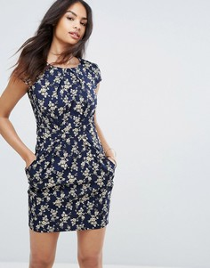 Платье-тюльпан с цветочным принтом и карманами QED London - Темно-синий