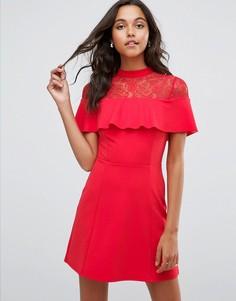 Короткое приталенное платье с кружевной вставкой ASOS - Красный