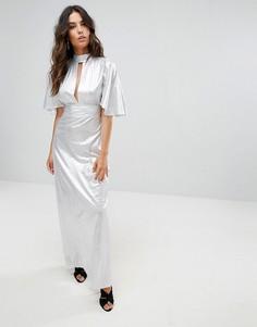 Платье макси с эффектом металлик и вырезом на груди Liquorish - Серебряный